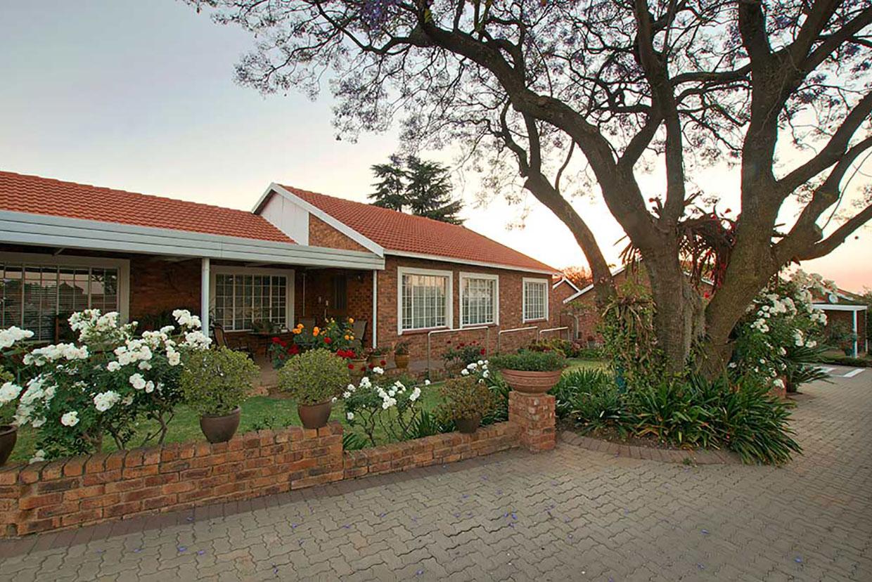 Jakaranda Retirement House For Sale R1 560 000