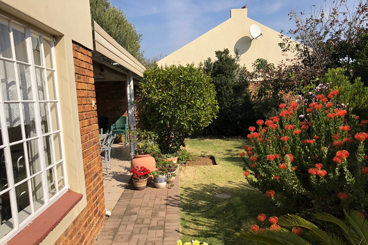Wilgeheuwel Retirement House For Sale – R1,475,000
