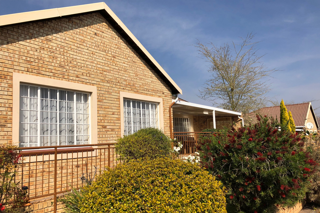 Wilgeheuwel Retirement House For Sale – R1,395,000