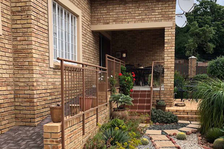 Amorosa Retirement House For Sale – R1,495,000