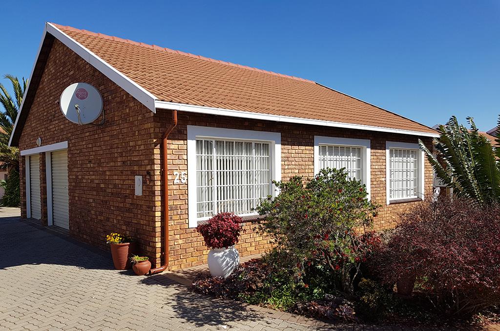 Sterlig Retirement House For Sale – R1,550,000