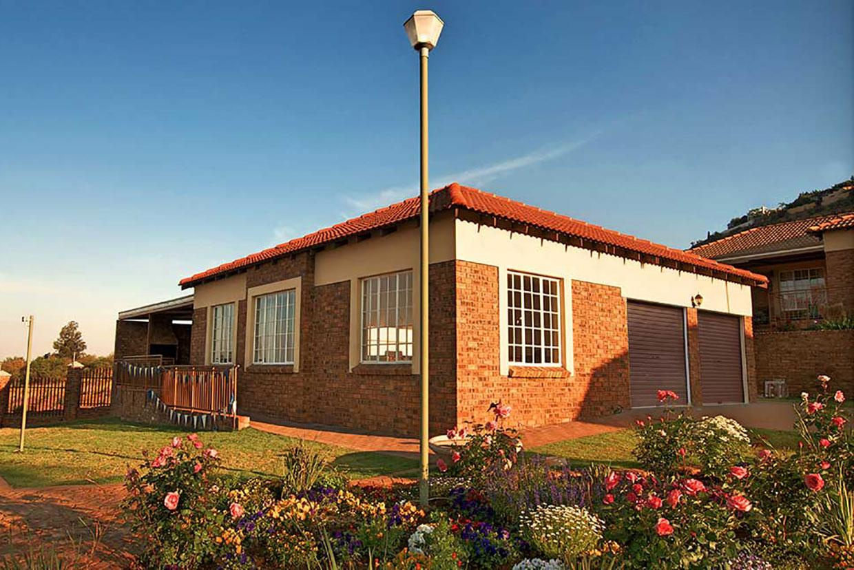 Amorosa Retirement Village garages